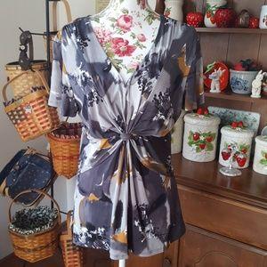 NWOT Daisy Fuentes Size XL blouse